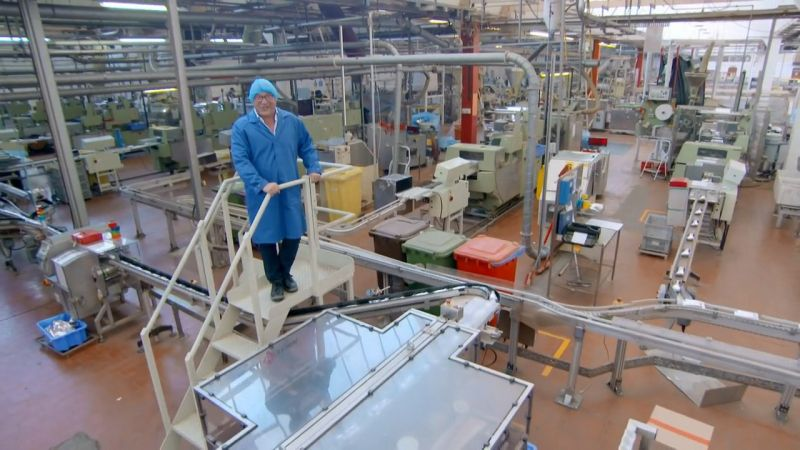 BBC Inside The Factory Series 3 Part 1 Tea Bags 720p HDTV x264 AAC MVGroup org mp4 preview 7