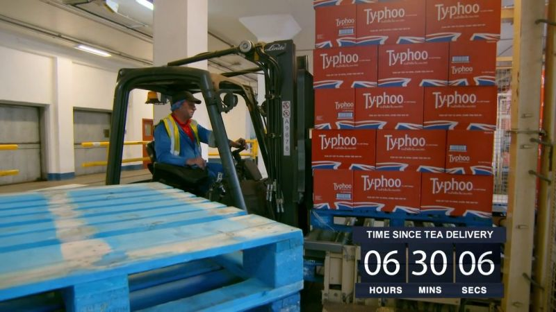 BBC Inside The Factory Series 3 Part 1 Tea Bags 720p HDTV x264 AAC MVGroup org mp4 preview 12