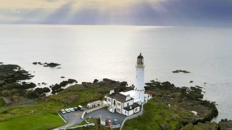 Robson Greens Coastal Lives Series 1 1of6 Isle of Skye 720p HDTV x264 AAC MVGroup org mp4 preview 2